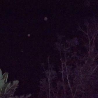 Line of orbs, Dec 13, 2013